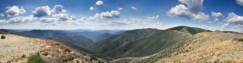 800px-mt_hotham_alpine_range_scenery
