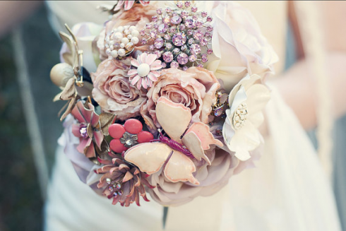 brooch-bouquet-from-theritzyrose1