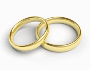 par-de-aliancas-de-noivado