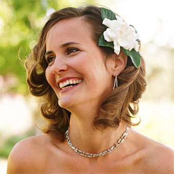 short-wedding-hair-with-accessories