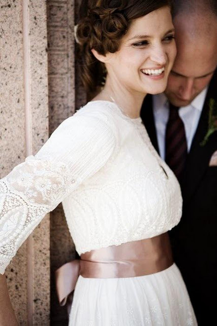 vintage-lace-wedding-dress-examples